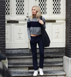 Claartje Rose, Dutch blogger, sweater, winter, grey, cozy, trouser