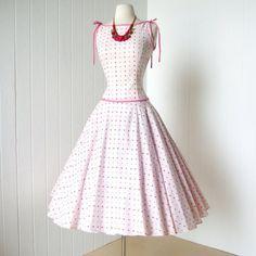 strawberry fields forever.  vintage 1950s dress @traven7 @etsy