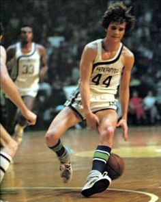Pistol Pete - the Wizard Basketball Quotes, Basketball Leagues, Basketball Legends, Love And Basketball, Football And Basketball, Basketball Players, Cool Basketball Pictures, Pistol Pete, Sports Stars