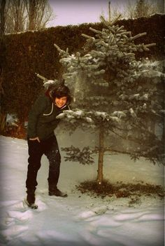 Imagine playing in the snow whit him! Aww!