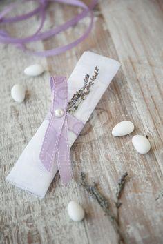 Levander themed wedding favor from white gauze with real levader! #levanderfavor #levanderwedding #weddingfavors