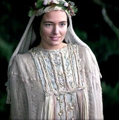 Catherine McCormack as Murron in Braveheart Catherine Mccormack, Period Movies, Period Dramas, Ancient Beauty, Medieval Costume, Movie Costumes, Period Costumes, Beautiful Costumes, Braveheart