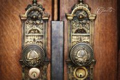 cool pic of the temple door knobs
