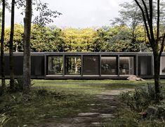 Architektur EFH #architektur #EFH #schweiz #Switzerland #aargau #Zürich #Einfamilienhaus #Architekturbüro #Studiodati #Innenarchitektur #vorfabriziert #vorgefertigt #modular #Holz #modern #zeitlos #Waldhütte #Cabin #wood #forest China Cabinet Makeovers, Green Nature, Studio, Most Beautiful, Garage Doors, Mansions, House Styles, Outdoor Decor, Modern