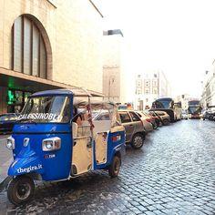 Oggi ho scritto poco e guidato tanto il #calessinoblu porta #TheGIRA a Roma! Chiamateci pure pazzi ma siamo vicini a stazione Termini per aspettare un amico! #greatcomeback www.thegira.it #TIM4Expo