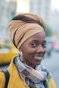 Lovely two colored turban. I wonder how she tied it. Head Wrap Scarf, Head Scarfs, Scarves, African Head Wraps, Turban Style, Bad Hair Day, African Beauty, Scarf Hairstyles, Beautiful Black Women