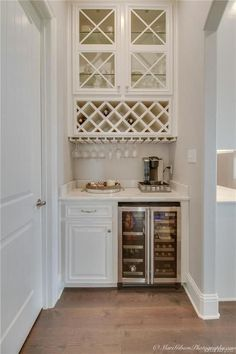 Home Bar Furniture – How to Find What's Right for You Home bar – Kitchen Pantry Cabinets Designs Kitchen Butlers Pantry, Diy Kitchen Cabinets, Butler Pantry, Bar Kitchen, Kitchen Ideas, Bar Cabinets For Home, Pantry Cabinets, Glass Cabinets, Wine Cabinets