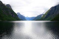 Keski-Skandinavian vaellusreitit - Harri Ahonen - #kirja #keskiskandinavia #vaellusreitit #vaeltaminen #skandinavia #eikesdalsvatnet