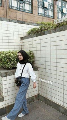 Modest Fashion Hijab, Modern Hijab Fashion, Street Hijab Fashion, Modesty Fashion, Casual Hijab Outfit, Hijab Fashion Inspiration, Workwear Fashion, Muslim Fashion, Casual Outfits