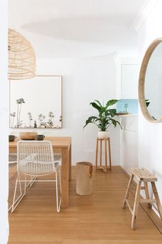 Belongil Salt Byron Bay - Apartments for Rent in Byron Bay, New South Wales, Australia Dining Room Inspiration, Home Decor Inspiration, Decor Ideas, Cocinas Feng Shui, Casa Feng Shui, Shabby, House Beds, Bedroom Styles, Style At Home