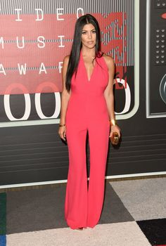 Get the look: Kourtney Kardashian #style >>