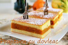 Prajitura cu dovleac este foarte simplu de pregatit, are un aluat cu ingrediente la indemana, iar umplutura poate varia de la dovleac, la mere sau branza.