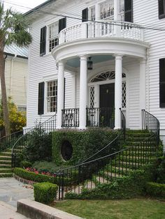 Love these ivy-coated stairs. Very popular in the deep south...this mansion is in Charleston, SC.