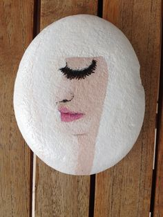 face (painted rock / pebble / stone / acrylics)