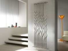 moderne design heizk rper moderne kunst heizelement stradivari von cordivari dekor. Black Bedroom Furniture Sets. Home Design Ideas