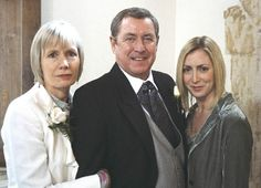 Midsomer Murders - Midsomer Rhapsody. TV show where the family loves each other, has no hidden dark past, no one has been kidnapped, and they each lead a fulfilling life of their own choosing.