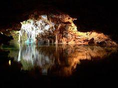 Mallorca Höhle:  Mehr Infos zum Mallorca Urlaub:  http://odinparadisetravel.com/reiseziele/spanien