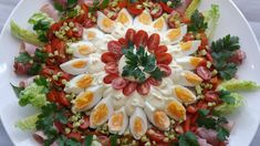 Huzarensalade Bistro Party Food Platters, Food Buffet, Typical Dutch Food, Salad Recipes, Healthy Recipes, Raw Vegetables, Dutch Recipes, Catering Food, Happy Foods