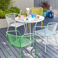 A modern take on garden furniture adds a splash of colour!