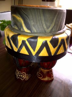 African theme wedding cake - Drums for the Cake stand . Themed Wedding Cakes, Themed Cupcakes, Wedding Themes, Wedding Attire, Wedding Ideas, Wedding Show, On Your Wedding Day, African American Weddings, African Weddings