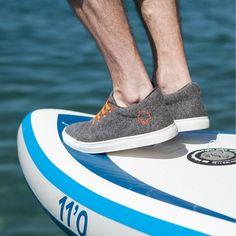 Sockless summer in wool sneakers