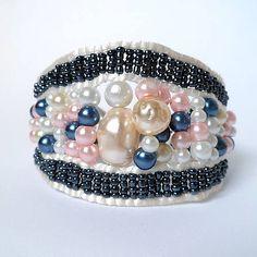 SherryDesertART / Pastelové perly v tmavej kombinácii
