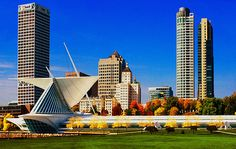 The Milwaukee Art Museum by Jack Zulli