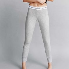 Calvin Klein leggings Loose leggings that are super comfy and cute. Never worn! Calvin Klein Pants Leggings