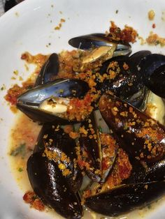 Ina Garten's Mussels and Basil Bread Crumbs