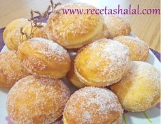 Al-Beignet. Buñuelos de Marruecos Recetas Halal, Mediterranean Desserts, Banana French Toast, Plum Cake, Filipino Desserts, Beignets, Sweet And Salty, Cake Recipes, Bakery