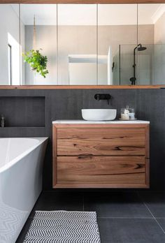 Exactly about master bathroom designs and inspiration. Small, and luxury modern bathroom layout Modern Bathroom Decor, Bathroom Layout, Modern Bathroom Design, Bathroom Interior Design, Bathroom Ideas, Minimal Bathroom, Bathroom Designs, Boho Bathroom, Modern Bathrooms