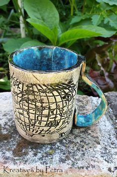 kleine Trinktasse aus Keramik...für Tee oder Kaffee...von kreativesbypetra   #Keramik #ceramik #ton #töpfern #töpferei #DIY #handmade #handgefertigt #Handwerk #kunstwerk #Unikat #geschenk #present #pottery #schale #räucherschale #räucherkegel #Glasur #glaze #glasurbrand #Esoterik #spirituell #Spiritualität #duft #düfte #botz #plattentechnik #tee #tea #kaffee #coffee #cup #trinkbecher #love #heart