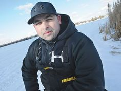 Pickering man pulls woman from sinking car on Frenchman's Bay.