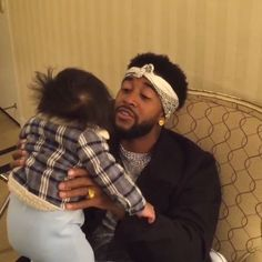 'Love and Hip Hop Hollywood' Season 1 Cast: Omarion & Apryl Jones Share Adorable Video of Baby Megaa Singing Along With Daddy! [VIDEO]
