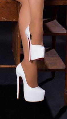 The pleasure of high Heels: White pumps suntan pantyhose Source by abigailvallejo altos High Heels Boots, White High Heels, Hot Heels, Platform High Heels, Sexy High Heels, High Heels Stilettos, Shoe Boots, White Pumps Shoes, Designer Shoes
