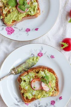 Sometimes we need silly simple things in life to offset all the complicated ones. Lunch should be the easiest thing we do all day, can we agree? How about we put a spinerooski on our lunch routines and enjoy this über simple and sinfully creamy All the Fats Egg Salad, which happens to be made out of just four simple ingredients?