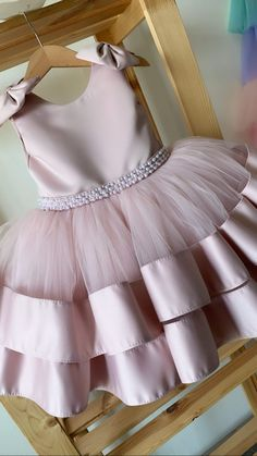 Pink Dresses For Kids, Kids Dress Wear, Kids Gown, Little Girl Dresses, Cute Dresses, Girls Dresses, Girls Frock Design, Baby Dress Design, Baby Girl Frocks