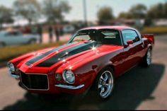 Vintage Trucks Muscle 1970 Chevy Camaro Split Bumper - Men are passionate about their stuff, and American classic muscle cars are no exception. It is said that a man's car is an extension of his personality. It's a representation of his psyche – his id, i 1970 Camaro, Chevrolet Camaro, Camaro 2018, Camaro Ss, Hot Rods, Gp Moto, Chevy Muscle Cars, Sweet Cars, Us Cars