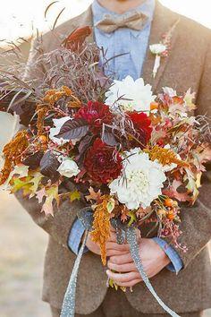 fall wedding bouquets via melanie duerkopp / http://www.himisspuff.com/fall-wedding-bouquets-for-autumn-brides/5/