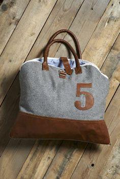 Woolen Bowling Bag (Code no. M-2728) #handbag #fashion #wool #athletic #reduce #reuse #recycle #upcycle #repurpose