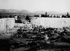 restos de los soldados muertos en el desastre de AnnualCadáveres de soldados españoles encontrados en Annual, meses después del desastre, tras volver a recuperar las posiciones el ejército español. / Wikipedia