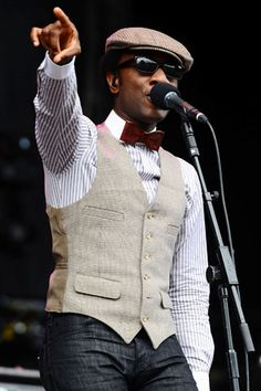 Aloe Blacc. Love his old school swagger.