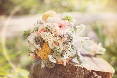 Las bodas rústicas y campestres siguen siendo tendencia y nos alegramos porque es una de nuestras temáticas favoritas. Te contamos como decorar la tuya.