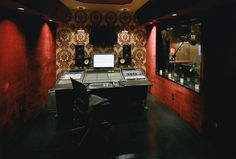 Recording Studio Barn Interior Design Ideas, Pictures, Remodel, and Decor Home Studio Musik, Music Studio Room, Sound Studio, Film Studio, Brainstorm, Home Music Rooms, House Music, Band Rooms, Media Room Design