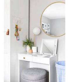 Brimnes Dressing Table White Dressing Table With Storage Ottoman Ikea Brimnes Dr. - Make-up Tische - Schlafzimmer Brimnes Dressing Table, Dressing Table Hacks, Small Dressing Table, Dressing Table Organisation, Ikea Closet, Closet Storage, Make Up Tisch, Cama Ikea, Table Ikea