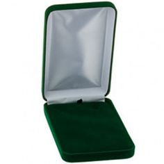 Hunter Green Veltex Necklace Box...(ST61-7717:178239:T).! Price: $18.99 #necklacebox #jewelrybox