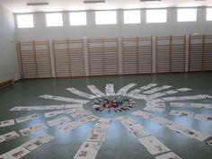 Montessori Classroom, Classroom Themes, Classroom Organization, Reggio Emilia, Orange Walls, Spring Door, Home Activities, Welcome Door, Classic Interior