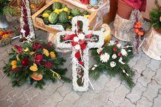 Christmas Wreaths, Holiday Decor, Home Decor, Flower Arrangement, Decoration Home, Room Decor, Home Interior Design, Home Decoration, Interior Design