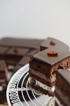 Cook Yourself - BLOG KULINARNY - Karolina Adamczyk - Rzeźnik: Oszukaniec, czekoladowe ciasto z masą budyniową Cooking, Cake, Blog, Kitchen, Food Cakes, Cakes, Tart, Cookies, Torte