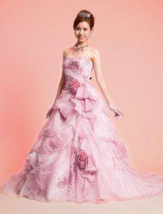 ウエディングドレス、高品質な結婚式ドレスならW by Watabe Wedding / ピンク・グリッター・プリンセスライン・カラードレス